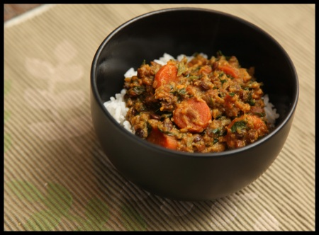 Vegetable curry with lentils and spinach