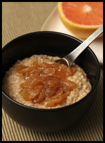 Oatmeal with apple topping