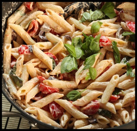 Penne with goat cheese and cherry tomatoes