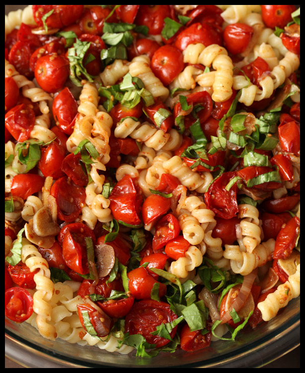 Pasta with Cherry Tomatoes, Garlic, and Basil | Rats In Teacups