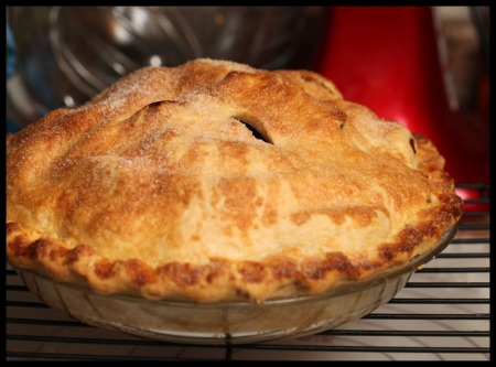 Rum-raisin apple pie