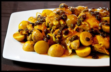 Tunisian chicken with potatoes and raisins
